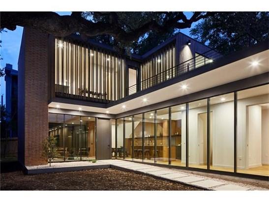 1st Floor Entry,Multi-level Floor Plan,No Adjoining Neighbor - House (photo 1)
