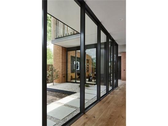 1st Floor Entry,Multi-level Floor Plan,No Adjoining Neighbor - House (photo 5)