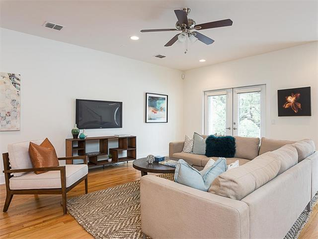 Condo, 1st Floor Entry,Middle Unit,See Agent - Austin, TX (photo 2)