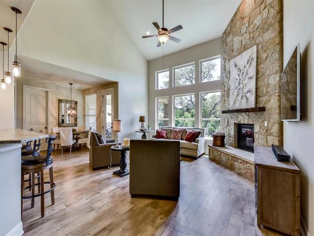 1st Floor Entry,No Adjoining Neighbor, House - Austin, TX (photo 3)