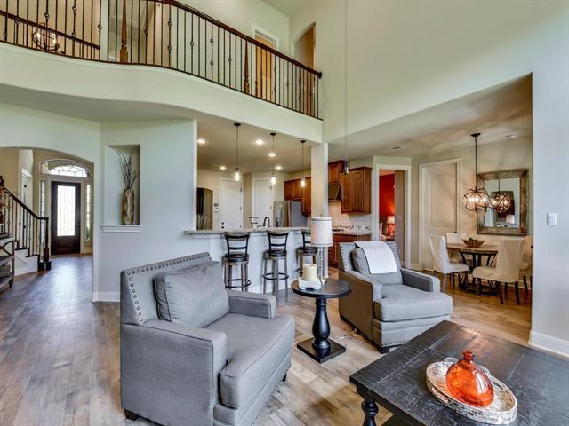 1st Floor Entry,No Adjoining Neighbor, House - Austin, TX (photo 4)