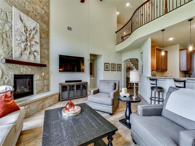 1st Floor Entry,No Adjoining Neighbor, House - Austin, TX (photo 5)