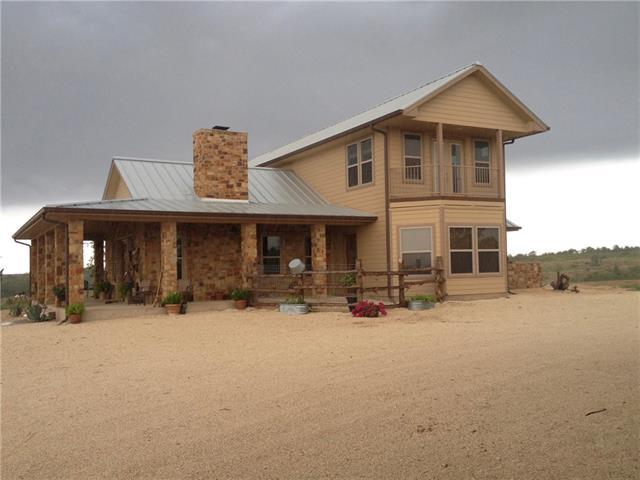 House - Lockhart, TX (photo 5)