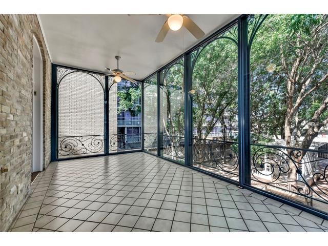 Entry Steps,Multi-level Floor Plan, House - Austin, TX (photo 3)