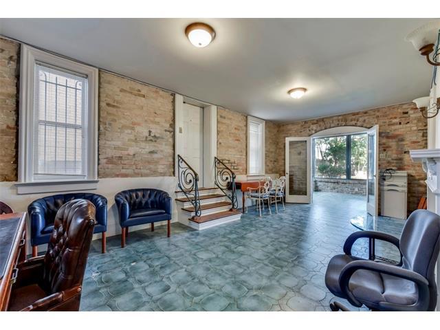 Entry Steps,Multi-level Floor Plan, House - Austin, TX (photo 5)