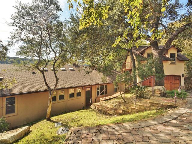 Entry Steps,Single level Floor Plan, House - Austin, TX (photo 2)
