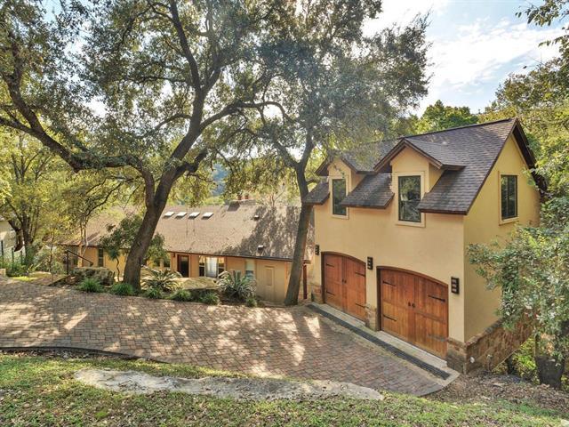 Entry Steps,Single level Floor Plan, House - Austin, TX (photo 3)