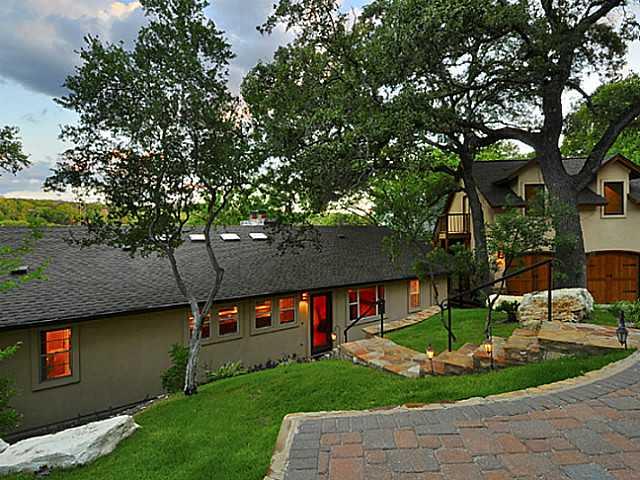 Entry Steps,Single level Floor Plan, House - Austin, TX (photo 4)