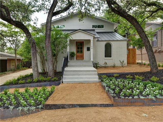 Entry Steps,Multi-level Floor Plan, House - Austin, TX