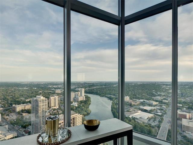 Condo, Tower (14+ Stories) - Austin, TX (photo 2)
