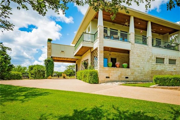 House, 1st Floor Entry,Elevator - Spicewood, TX