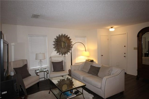 Garage/Guest House - Austin, TX (photo 4)