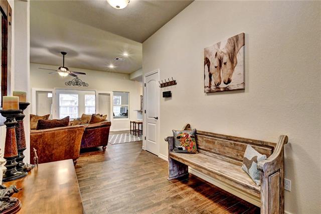 House - Meadowlakes, TX (photo 5)