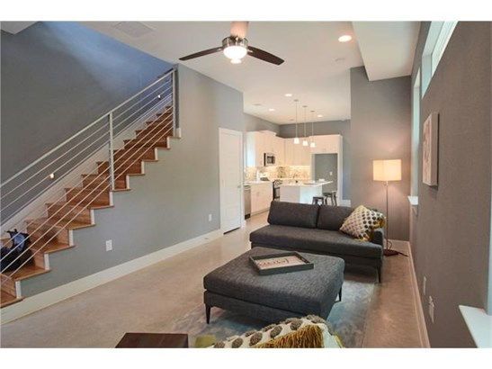 No Adjoining Neighbor, House - Austin, TX (photo 2)