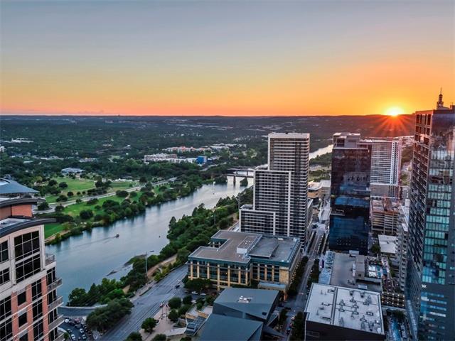 Condo, High Rise (8-13 Stories) - Austin, TX (photo 2)