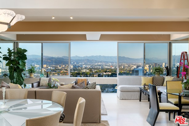 Condominium, Contemporary - LOS ANGELES, CA