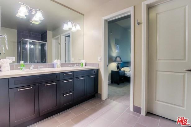 Condominium - Glendale, CA (photo 4)