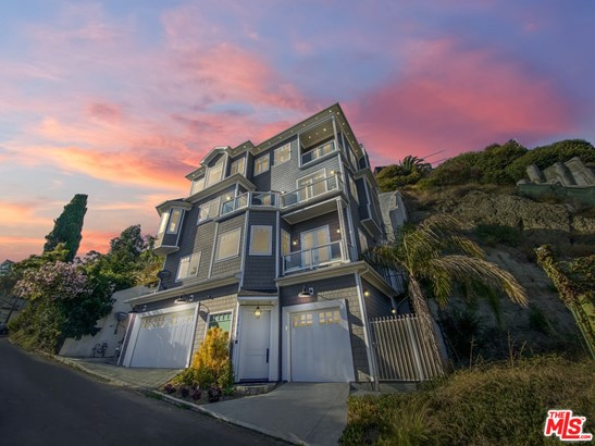 Residential Lease, Cape Cod - Pacific Palisades, CA