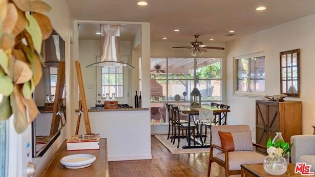 Single Family Residence, Bungalow - Panorama City, CA