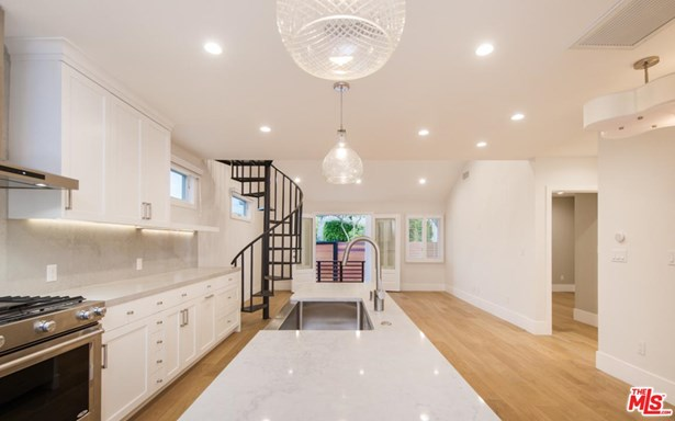 Cottage, Single Family - West Hollywood, CA