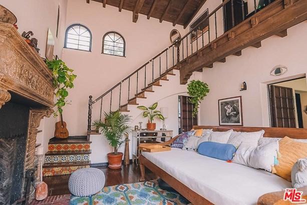 Condominium, Spanish - LOS ANGELES, CA