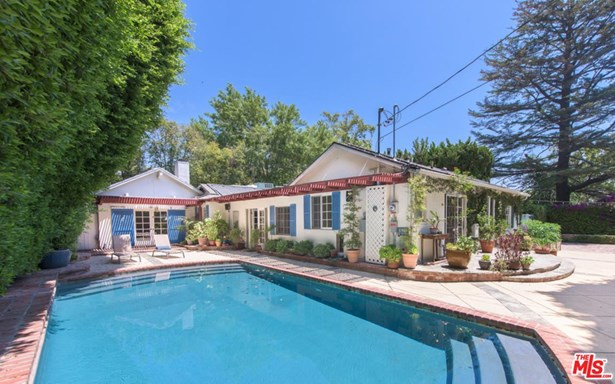 Traditional, Single Family - Sherman Oaks, CA (photo 2)