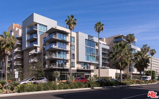 Condominium, High or Mid-Rise Condo - Santa Monica, CA (photo 1)