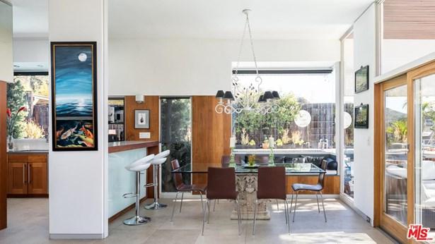 Post & Beam, Single Family - Los Angeles (City), CA (photo 3)