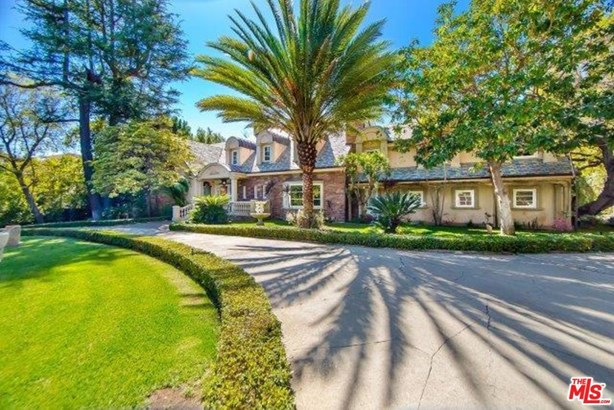 Traditional, Single Family - Beverly Hills, CA (photo 1)