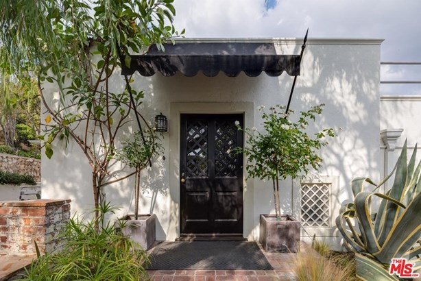 Architectural, Single Family - Hollywood, CA (photo 1)
