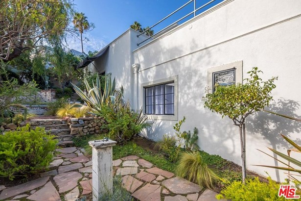 Architectural, Single Family - Hollywood, CA (photo 2)