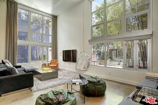 Architectural, Condominium - West Hollywood, CA (photo 3)
