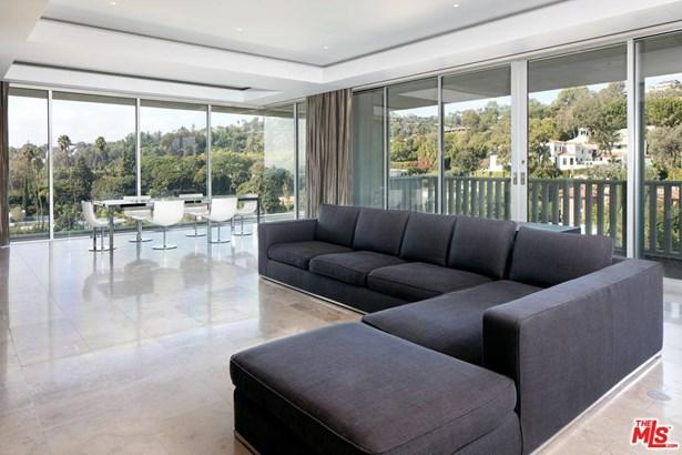 High or Mid-Rise Condo,Contemporary, Condominium - West Hollywood, CA (photo 4)