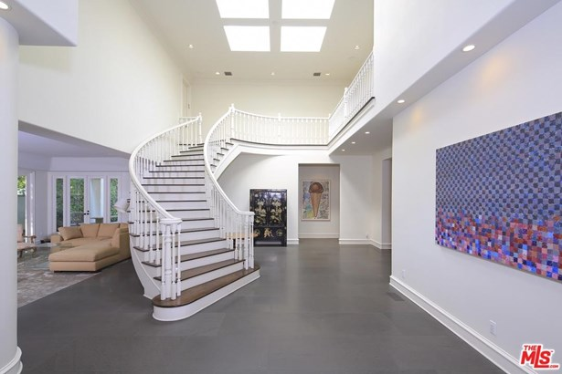 Contemporary, Single Family - Beverly Hills, CA (photo 3)