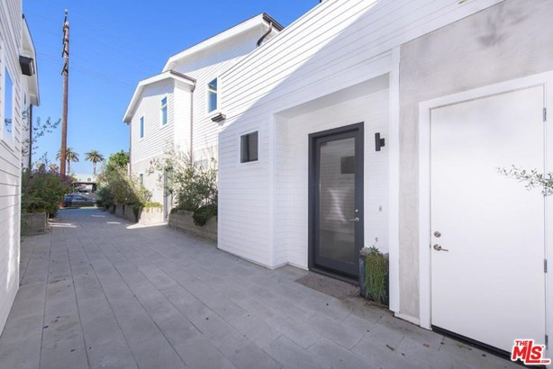 Townhouse, Modern - Venice, CA (photo 2)