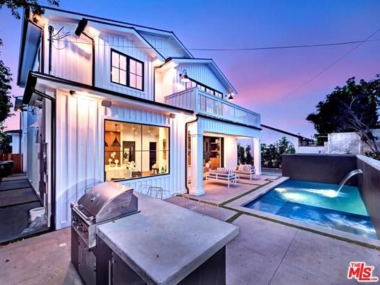 Farm House, Single Family - Los Angeles (City), CA