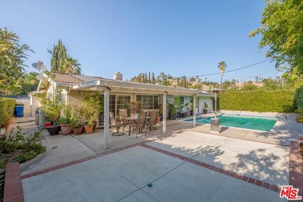 Contemporary, Single Family - Woodland Hills, CA