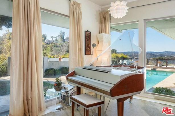 Mid Century, Single Family - Beverly Hills, CA (photo 5)