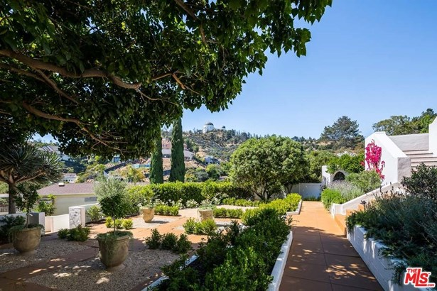 Spanish Colonial, Single Family - Los Angeles (City), CA (photo 3)