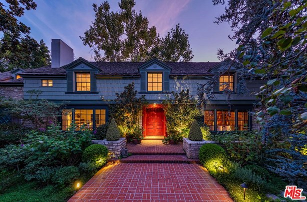 Colonial, Single Family - Beverly Hills, CA