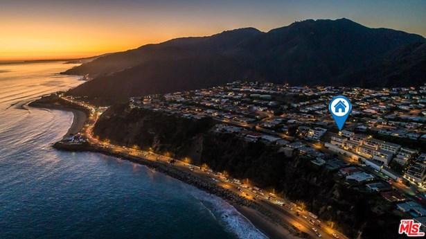 Condominium, Architectural,High or Mid-Rise Condo - Malibu, CA (photo 1)