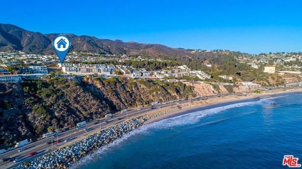 Condominium, Architectural,High or Mid-Rise Condo - Malibu, CA (photo 3)