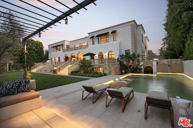 Villa, Single Family - Los Angeles (City), CA