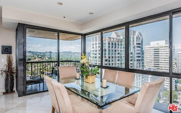 High or Mid-Rise Condo,Contemporary, Condominium - Los Angeles (City), CA (photo 2)