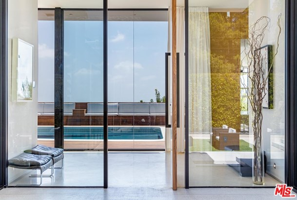 Single Family Residence, Contemporary - Beverly Hills, CA