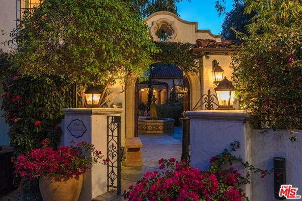Spanish Colonial, Single Family - Beverly Hills, CA (photo 1)