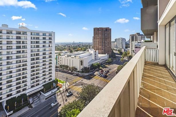 Stock Cooperative, Contemporary - Los Angeles, CA