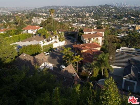 Tudor, Single Family - Los Angeles (City), CA (photo 4)