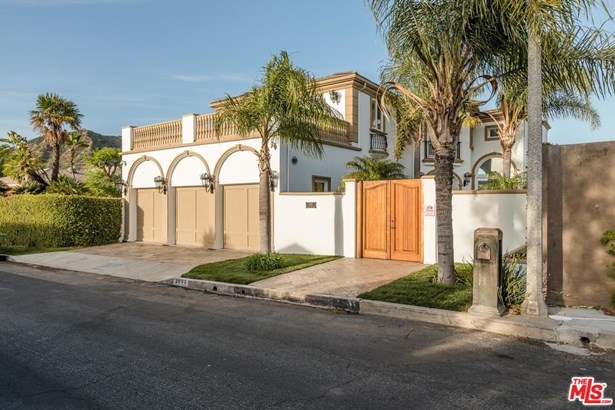 Mediterranean, Single Family - Los Angeles (City), CA (photo 5)