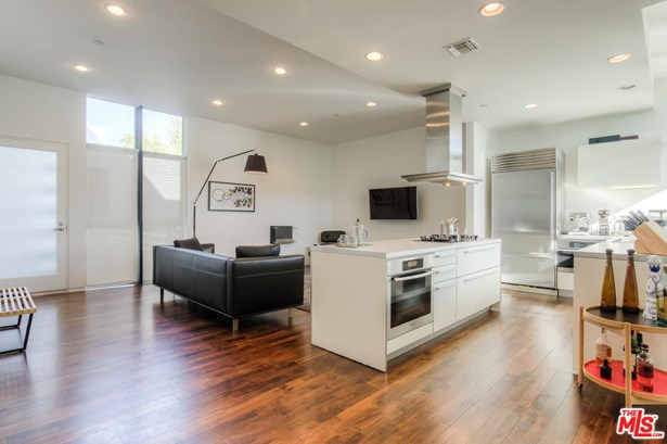 Condominium, Modern - West Hollywood, CA (photo 3)